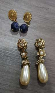 2 pcs. Earrings