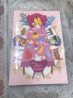 現貨 -日本直送 Alice in the wonderland 2019 schedule book 迪士尼愛麗絲夢遊仙境系列 日程簿 月間