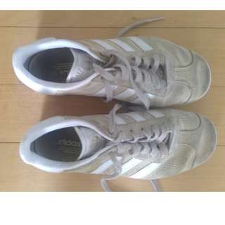 Adidas Gaselle Sneakers