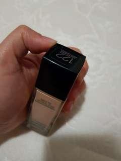Foundation 122 creamy beige