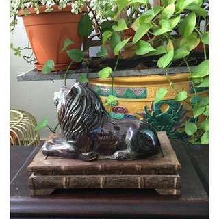 Vintage Hang Seng coin bank - Sitting Lion (for sharing only)