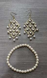 Fancy pwarl earrings & bracelt duo