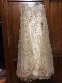 🚚 金色披風式禮服