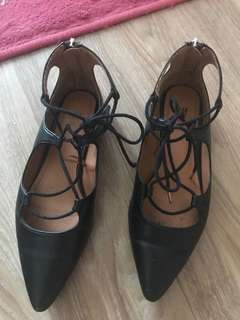 Preloved H&M lace up flats Size 35