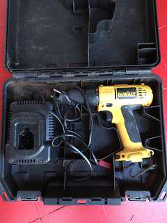Dewalt battery powered drill & charger
