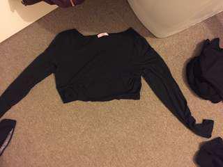 Black long sleeved crop