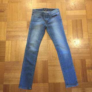 (8) Jeanswest skinny jeans