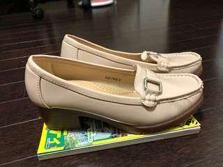 Vincci Shoes Beige