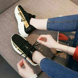 Sepatu Kets Off White TP