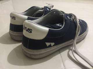 Sepatu Lokal / Sepatu Skate