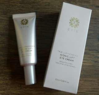 Evie TRUE LUMINESSENCE Iconic Lift Eye Cream 花妍緊緻提升眼霜 20ml