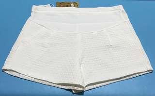BNWT white checkered maternity shorts