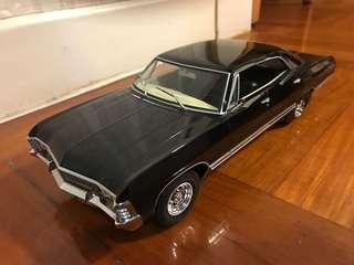 1/18 Chevrolet classic car