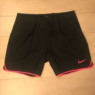 100% new Nike Tennis shorts slim cut size L large