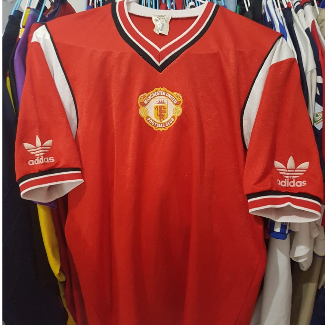 a9e43e8b11a Authentic Manchester United Home 1984 Jersey
