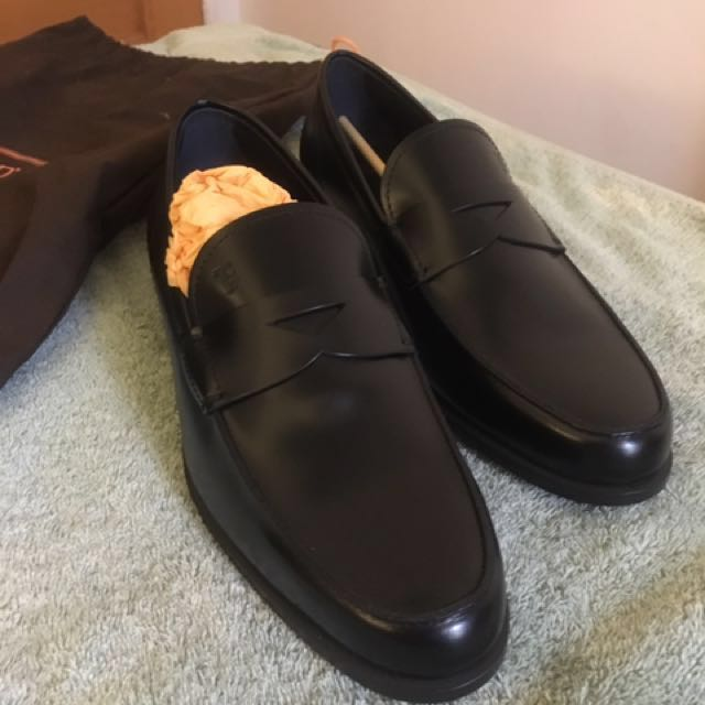 645921d7135 Authentic Tods Men s Black Leather Loafers