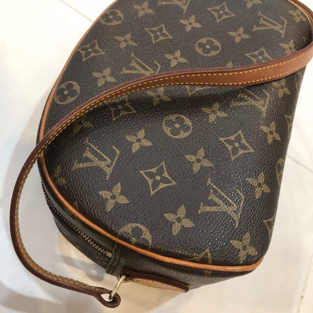 Louis Vuitton Bag Blois, Luxury, Bags   Wallets, Sling Bags on Carousell dc30e9fb23