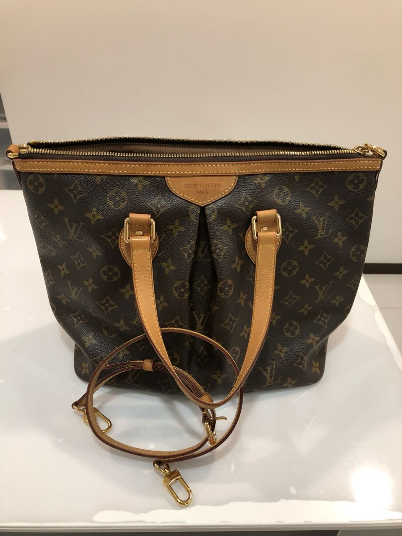 fdae4e5da05a Louis Vuitton Palermo PM
