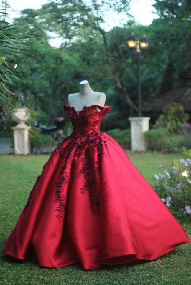 Maroon Ball Gown - DEBUT/ PROM/ PHOTOSHOOT/ FOR RENT, Women\'s ...