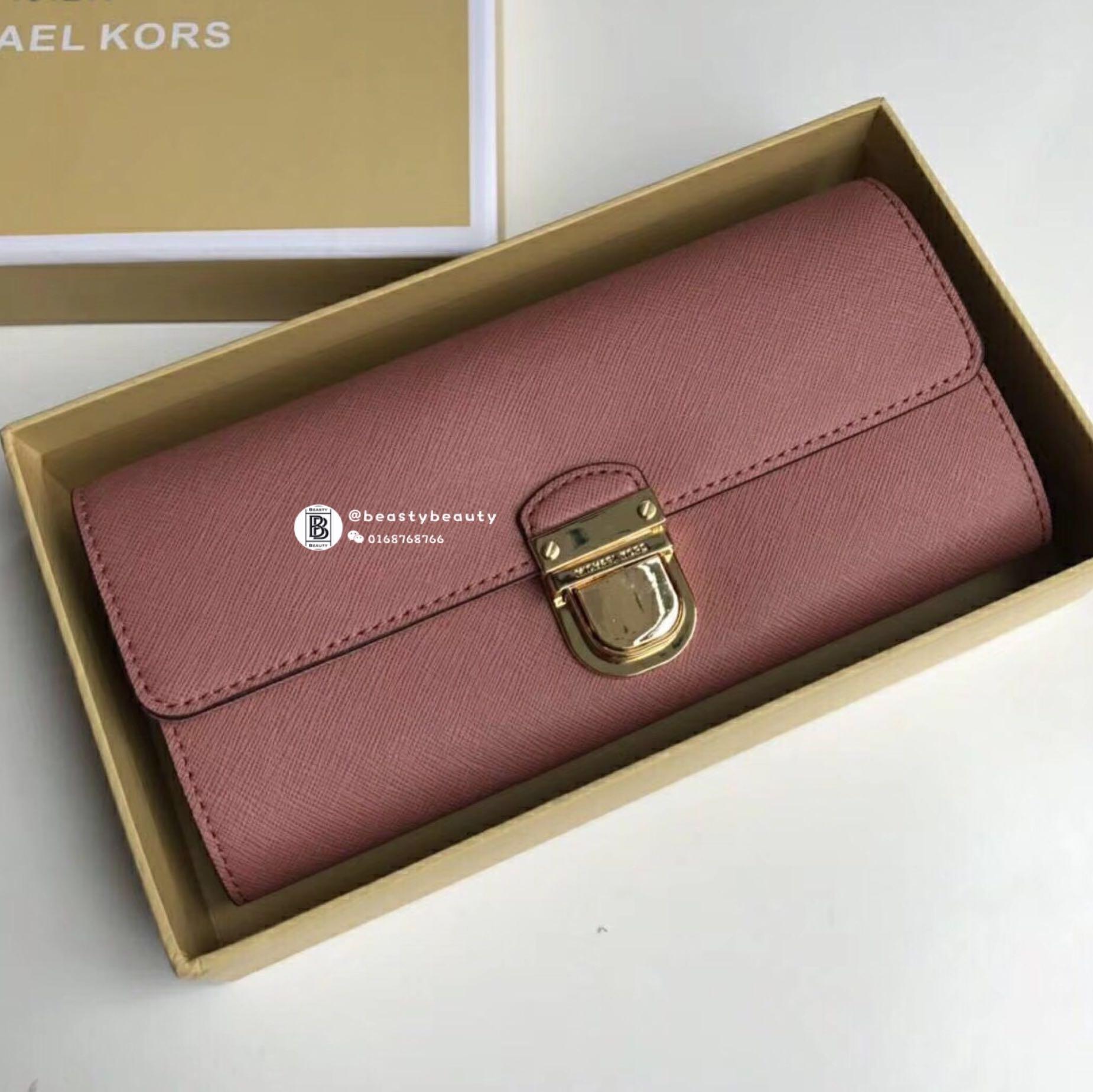 e39c81fc4f09 Michael Kors Bridgette Saffiano Flap Wallet, Barangan Mewah, Beg dan ...