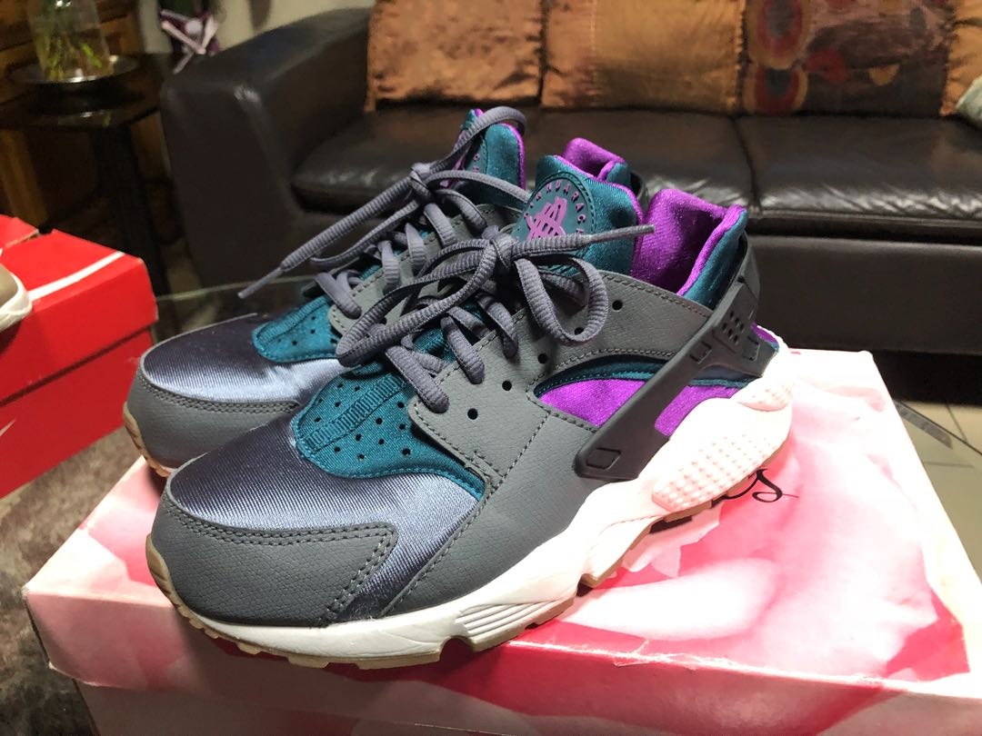 NIKE AIR HUARACHE DARK GRAY VIVID PURPLE SUMMIT 20f24cdf8