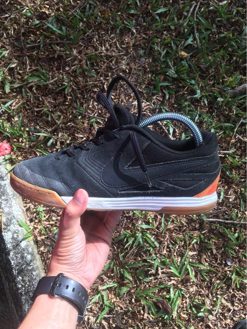 pretty nice fa49a 4b172 Nike SB Lunar Gato Holland, Sports, Athletic  Sports Clothing on  Carousell