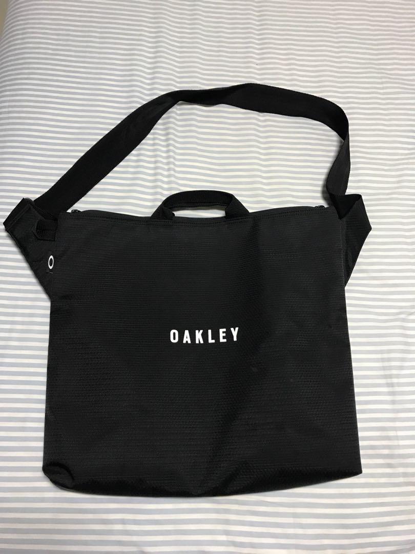 Oakley sling tote bag d7c0d95a94724