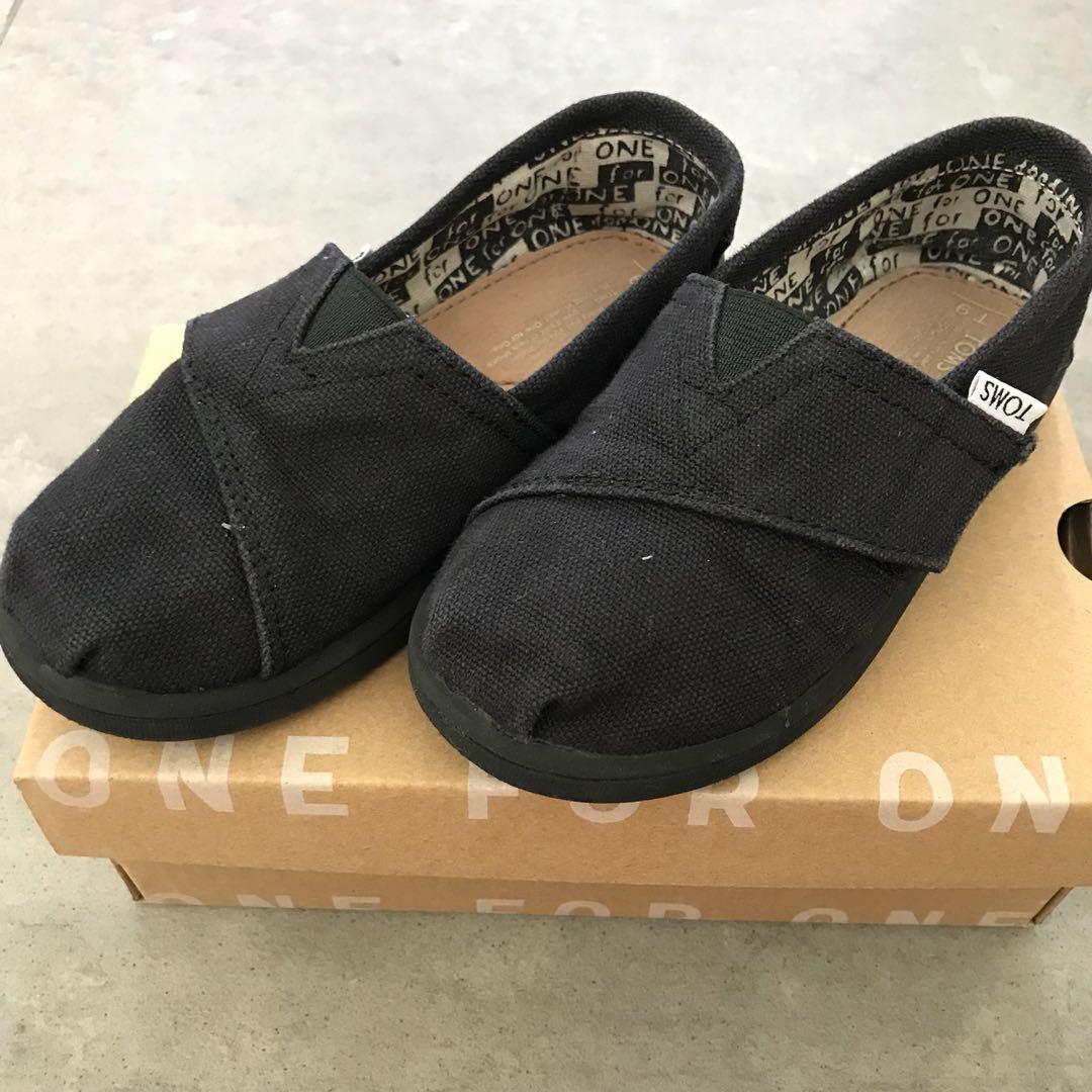b297ff7dc2d Toms Shoes Classic Black Canvas Kids