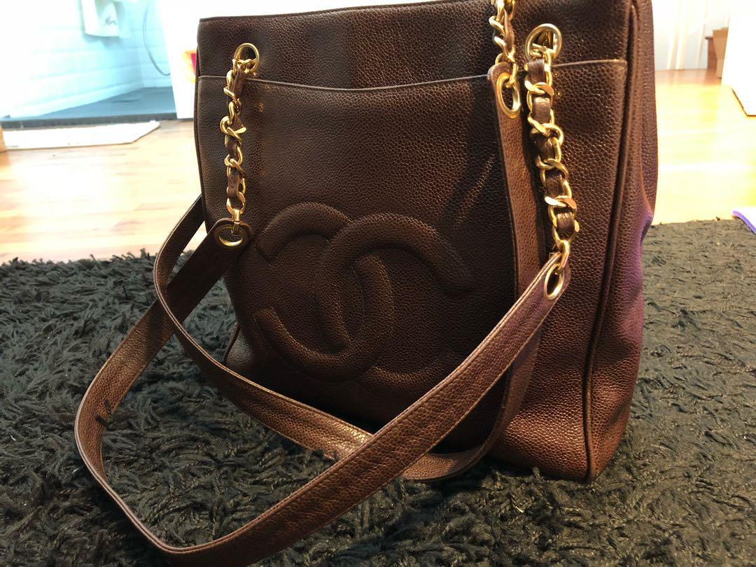 321ef91505f7 Vintage Chanel Brown Shoulder Caviar Bag