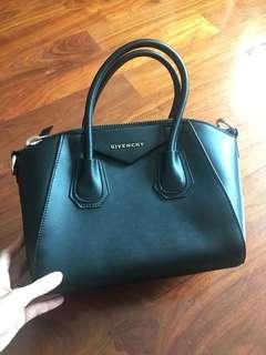 Givench* Antigona styled  Bag