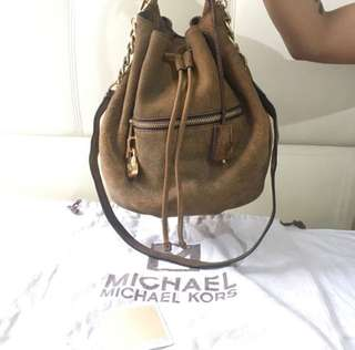 Michael Kors Bucket Bag Negotiable