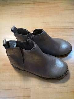Gap boot