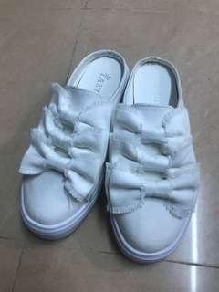 全新半拖小白鞋