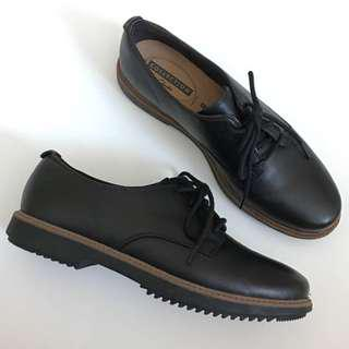 Clarks Black Oxfords Sz 8