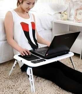 Meja laptop lipat berpendingin