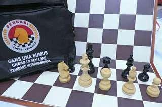 Papan catur standard turnamen