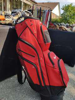 Nike golf bag with golf clubs
