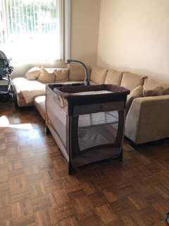 Chicco play pen