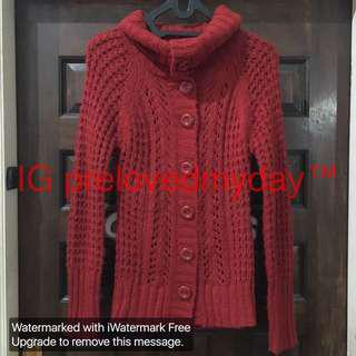 Sweater woll kancing