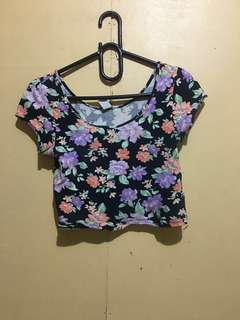 Clearance Sale!!Forever 21 Floral Croptop