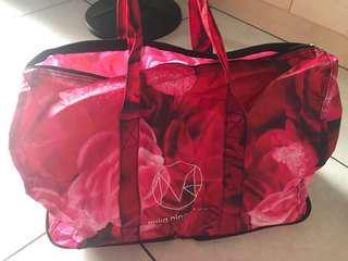 🚚 全新 圖案玫瑰旅行袋