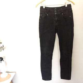 Black Highwaisted Jeans