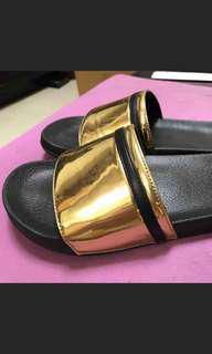 🚚 拖鞋 金色  S號