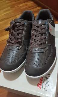 BNIB Casual Grey Bata comfort Men Shoes/Sneakers