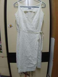 法國品牌白色絹料吊帶連衣裙