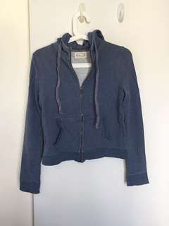 灰藍拉鍊短身衛衣