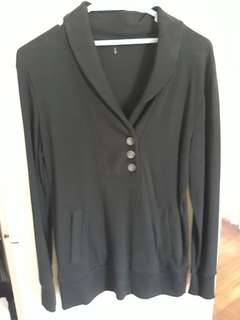 black longlseeves top