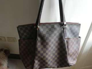 BAG SALE!!! 1,000 ONLY! Authentic quality LV