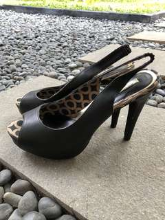 Urban & Co Wedges Size 39