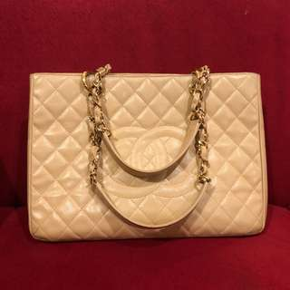 Chanel GST beige caviar ghw #18 with holo and replacement db